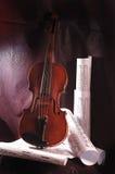 Violín y nota Imagen de archivo