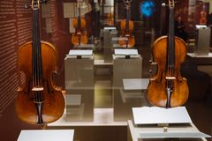 Viola, Antonio Stradivary, Cremona, Italien, 1715 und 1707 lizenzfreies stockbild