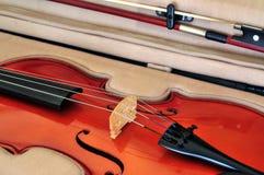 Viola und Bogen falls Lizenzfreie Stockfotografie