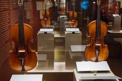 Viole, Antonio Stradivary, Cremona, l'Italia, 1715 e 1707 immagine stock libera da diritti