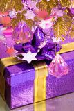 Violet gift box Royalty Free Stock Images