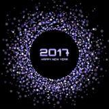 Violet New Year 2017 marcos del círculo que brillan intensamente en fondo negro Imagenes de archivo