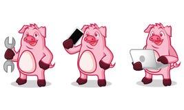 Violet Pig Mascot avec l'ordinateur portable Images libres de droits
