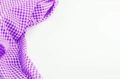 Violet Tablecloth-Gewebe auf weißem Hintergrund Stockbild