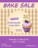 Violeten bakar reklambladet för försäljningsbefordran med muffin Royaltyfria Foton