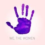 Violett handprint och text oss kvinnorna Royaltyfri Bild
