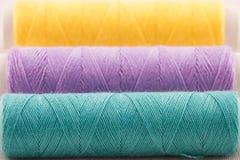 Violette en groene draad Royalty-vrije Stock Foto's