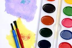 Violette und gelbe Aquarelle stockbilder