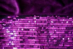 Violetter Samt und Sequin Stockbild