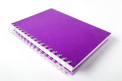 Violettes Notizbuch Lizenzfreies Stockbild