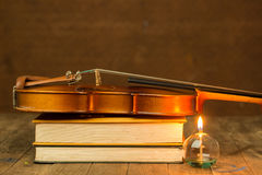 Violin and book Royalty Free Stock Images