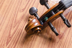 Violin on wood background Royalty Free Stock Photography