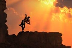 Violine allein auf einem Sonnenuntergang Lizenzfreies Stockbild