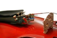 Violinen getrennt auf einem weißen Hintergrund Stockfotos