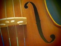 Violinen-Schallloch-Melodie und Schnur von der Splintloch-Ansicht der Konzert-Violinen-4/4 stockbilder