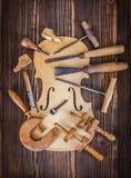 Violinenbauch- und -arbeitswerkzeuge Stockfoto