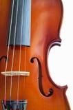 Violinennahaufnahme, welche die Brücke (16) zeigt Lizenzfreie Stockbilder