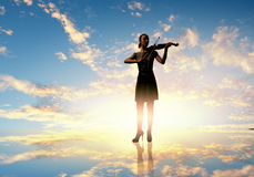 Violinista della donna Immagini Stock