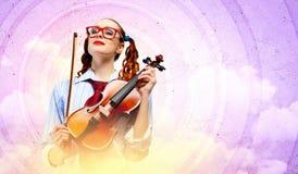 Violinista della giovane donna Fotografia Stock