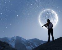 Violinista do homem Fotografia de Stock Royalty Free