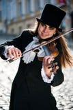 Violinista e luce solare Fotografie Stock Libere da Diritti