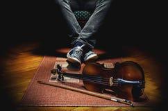 Violinista And His Instrument Fotografia de Stock Royalty Free