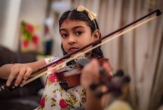 Violinista joven Imágenes de archivo libres de regalías