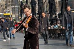 Violinista que juega en la calle Imagen de archivo