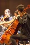 Violinistas na orquestra clássica no trabalho em Manaus, Brasil Imagem de Stock