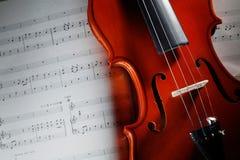 Violino com contagem musical fotos de stock royalty free