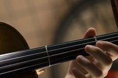 Violino com pouca poeira Fotos de Stock Royalty Free