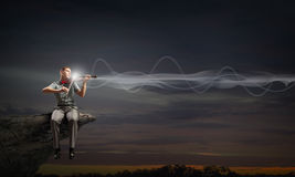 Violino do jogo do homem Imagens de Stock Royalty Free