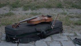 Violino do músico da rua vídeos de arquivo