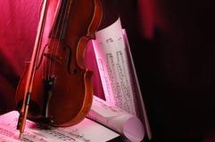 Violino e nota Fotos de Stock