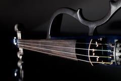 Violino elétrico Instrumento musical da orquestra moderna usado no engodo fotos de stock