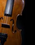 Violino sulla fine del nero in su Immagini Stock