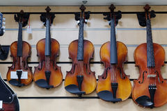 Free Violins In A Shop Royalty Free Stock Photos - 59613718