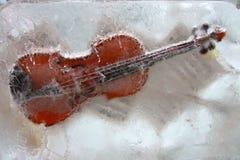 Violon dans la glace Image stock