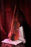 Violon et note Photos stock