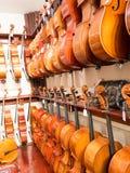 Violoncelo, violino & Viola Instruments On Display Foto de Stock