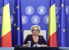 Viorica Dancila - reunião do governo - política romena imagens de stock