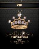 VIP与抽象闪耀的冠的邀请卡片有金刚石的 免版税库存图片