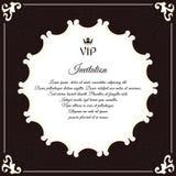 VIP邀请的典雅的圆的明信片 维多利亚女王时代的样式的叶茂盛元素 颜色是棕色的与白色 库存图片