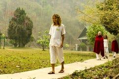 Vipassana in een bergklooster, dichtbij de stad van Mechonson stock afbeeldingen