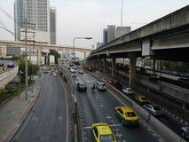Vipawadee路,曼谷,在高途中的泰国5月16,2019堵车 库存照片