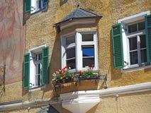 Vipiteno, Bozen Fassade des Tiroler traditionellen Hauses Lizenzfreies Stockbild