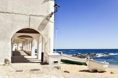 Vire a BO hacia el lado de babor en Calella de Palafrugell, España Imagen de archivo libre de regalías