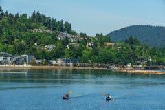 Vire Canadá hacia el lado de babor cambiante - 28 de mayo de 2017, Rocky Point Spray Park, actividades del deporte del velero Fotografía de archivo libre de regalías