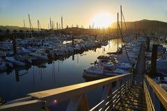 Vire a de hacia el lado de babor plaisance, el puerto del ocio de Hendaye, Aquitania, franco Fotos de archivo