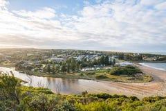 Vire la ciudad en la salida del sol de la mañana, Australia de Campbell hacia el lado de babor Imagen de archivo libre de regalías